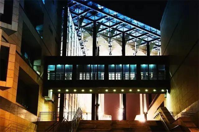 大学图书馆